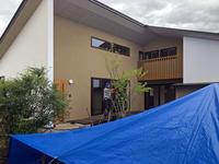 須坂の曲り家の植栽 - 安曇野建築日誌