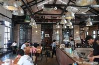 06. 飾りじゃないのよレンガは / The Workshop - ホーチミンちょっと素敵なカフェ・レストラン100