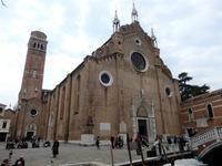 海の都ヴェネツィアの至宝、ヴェネツィア派の巨匠ティツィアーノの聖母被昇天があるサンタ・マリア・グロリオーサ・デイ・フラーリ聖堂 - Souvenir Inoubliable