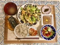 今日のゴハン: 豚とキャベツのオイスターソース炒め - 清く、正しく、美しく!