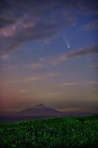 雲間からのネオワイズ彗星 - 四季星彩