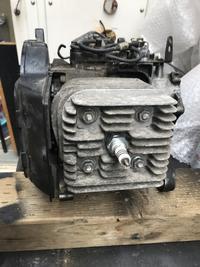アドレスV100エンジンシリンダーをバラす - ぴかぴか御朱印バイク出張所