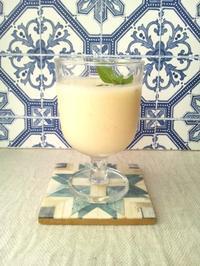 材料3つで、甘酒パインスムージー - Minha Praia