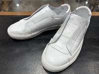 夏なので白スニーカーを履いてみた - シューケアマイスター靴磨き工房 銀座三越店