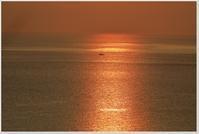 久しぶりの鹿島夕景 - ハチミツの海を渡る風の音