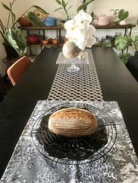 ルヴァンリキッドで『カンパーニュ』 - カフェ気分なパン教室  *・゜゚・*ローズのマリ