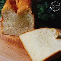 『食パン28号』🍞 - 埼玉カルトナージュ教室 ~ La fraise blanche ~ ラ・フレーズ・ブロンシュ