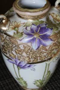ノリタケの花瓶 - ミセス サファイア 静けさの中で