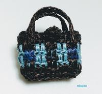 残りのネットでミニバッグをつくりました♪ - ルーマニアン・マクラメに魅せられて