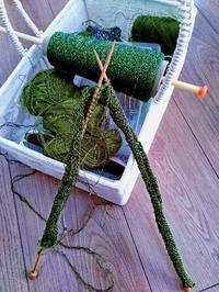 昨日の編み物、はかどりそうにないです〜 - ニットの着樂