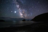 星で溢れる海岸 - 山歩き川歩き