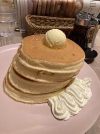 ベルヴィル梅田でパンケーキ - パンと    ごはんと    日々たちと