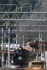盛夏の水上発車- 2020年盛夏・上越線 - - ねこの撮った汽車