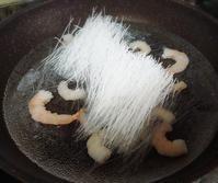 8/18(火)はるさめサラダ→豚バラとピーマン炒め - 今日のごはんと飲み物日記