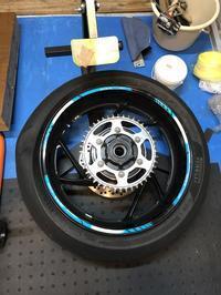 ブリヂストンS22リアタイヤ装着完了! - 後輪駆動