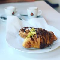 今日は久しぶりのBar朝ごはん🥐 - 幸せなシチリアの食卓、時々にゃんこ