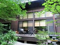 お庭の緑が美しい * 大人の隠れ家カフェでまったり♪ - ぴきょログ~軽井沢でぐーたら生活~