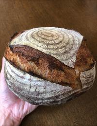 酒種でざっくり手捏ねのカンパーニュ - slow life,bread life