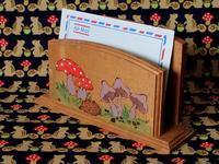キノコとハリネズミのレター・ラック - Der Liebling ~蚤の市フリークの雑貨手帖3冊目~