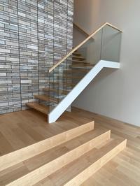 美しい階段 - オーダー家具の現場レポート
