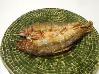 鮎だから?フランスバスクの白ワインを開けます。 - のび丸亭の「奥様ごはんですよ」日本ワインと日々の料理