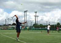 突然の強雨に見舞われたシニアテニス - 東金、折々の風景