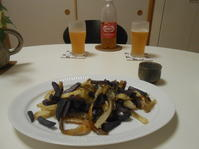 8月最後の日は夏を惜しんでビール。 - のび丸亭の「奥様ごはんですよ」日本ワインと日々の料理