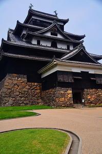 松江城天守閣 - 風の香に誘われて 風景のふぉと缶