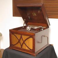 HMV130(オーク)が入荷しました - シェルマン アートワークス 蓄音機blog