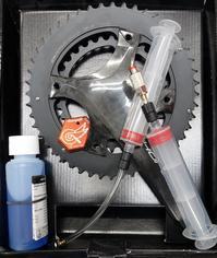 カンパニョーロ油圧ディスクブレーキフルード交換は1年で!ロードバイクPROKU -   ロードバイクPROKU