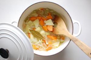今日はスープを作る -