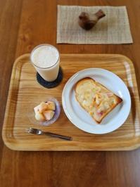 桃のチーズトースト - *豊かに暮らす*