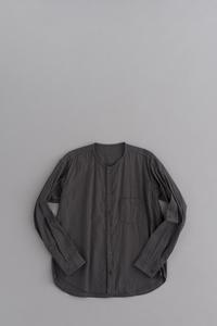 ゴーシュ コットンウールビエラ ノーカラーシャツ (チャコールグレー) - un.regard.moderne