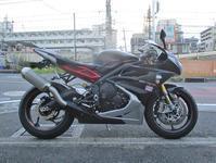S田サン号 デイトナ675Rの油脂類交換&TZR250と一緒に納車・・・(^^♪ - バイクパーツ買取・販売&バイクバッテリーのフロントロウ!