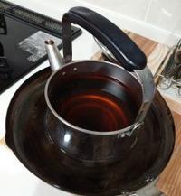 やかんのお茶を冷やすⅡ - うまこの天袋
