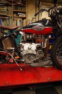 1946 WR 750 タペットガイドトラブル - Vintage motorcycle study