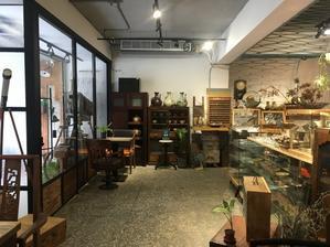 圓山 (台北)カフェも併設の骨董古道具店「良室」 - そこはかノート ー台湾つれづれー