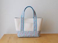 リバティ Eloise(エロイーズ)のデイリートートバッグ(Sサイズ) - le petit sac