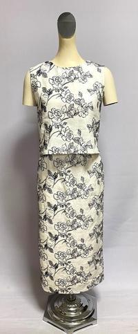 白麻薔薇刺繍のセットアップ - 私のドレスメイキング