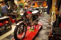 1962 TRIUMPH TR6 マグネトー交換 - Vintage motorcycle study
