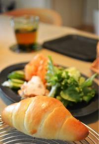 ツヤツヤふっくらバターロール - 水戸市(茨城)のパン教室 Fika(フィーカ)  ~日々粉好日~