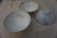 村井大介さんのチタン釉マグカップと碗届きました - うつわ楓店主たより