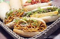 【パン】パラダイス酵母のコッペパンで焼きそばパン。 - スパイスと薬膳と。