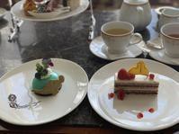 ケーキセットが可愛すぎる - ガルルさんのCOSTCOガルル食堂