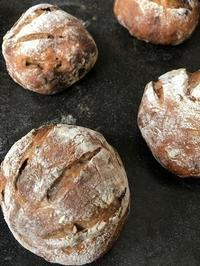 カンパーニュ(いちじくとくるみ) - slow life,bread life