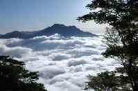 瓶ヶ森から雲海と朝焼け - 軟弱足 の山歩き