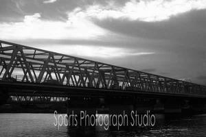 散歩の途中で江戸川鉄橋 -