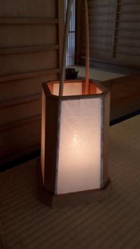 路地灯籠和紙の張替え - 懐石椿亭(富山市)公式blog