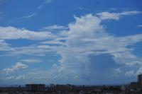 夏の雲と秋の雲との攻め合い - 日々の風景