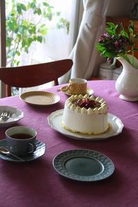ピオーネのバースデーケーキ - 暮らしを紡ぐ2